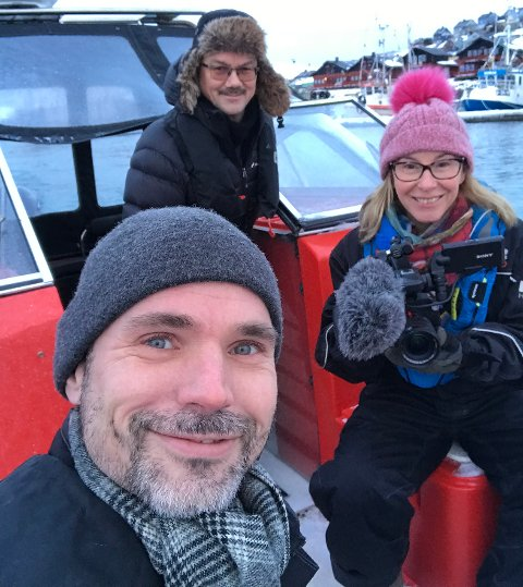 Audun Kolstad Wiig og Jill Johannessen i KS- bedrift har fulgt elverkssjef i Repvåg Kraftlag, Oddbjørn Samuelsen og montørene på jobb siden tirsdag.