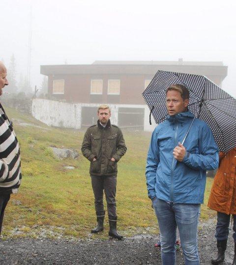 BEFARING: Lasse Lehre (H) og ordfører Harald Tyrdal (Ap) under formannskapets befaring på Bislingen tidligere i høst.