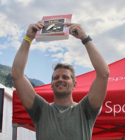 Årets Norgesmester:  Øyvind Djuvsland, Suldal med et spytt på 11,11 meter.