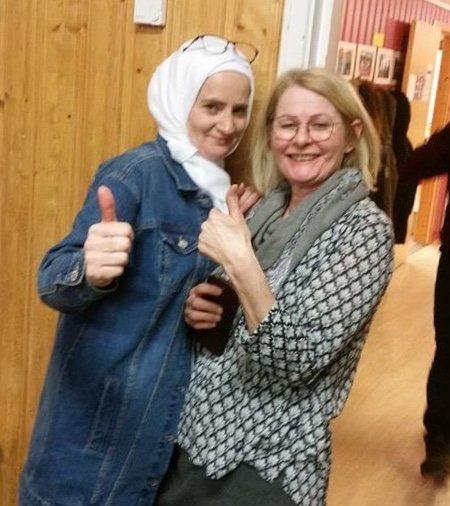 En glad deltaker Ghada og faglærer Synnøve