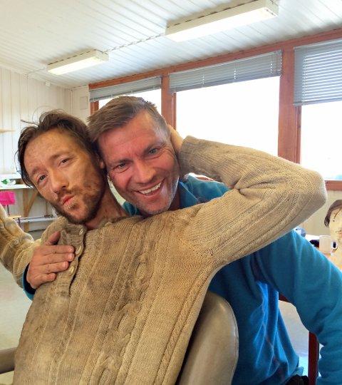 """AVMAGRET: Hovedrolleinnehaver Thomas """"Finger'n"""" Gullestad har vært gjennom en to måneders ekstrem slankekur for å spille en avmagret Baalsrud. Her er han sammen med statist Geir Gulbrandsen."""