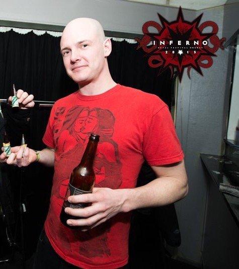 PÅSKE: Kristoffer Negaard er med på å arrangere metall-festival for tusenvis av mørkkledde fans i Oslo.