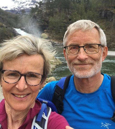 FANN TONEN: Ingrid Hage, snart 65 år, og Knut Cotta Schønberg på snart 70 år er langt sprekare enn mange som er langt yngre. No kan dei gå saman på alle turar, både til fots og på ski.