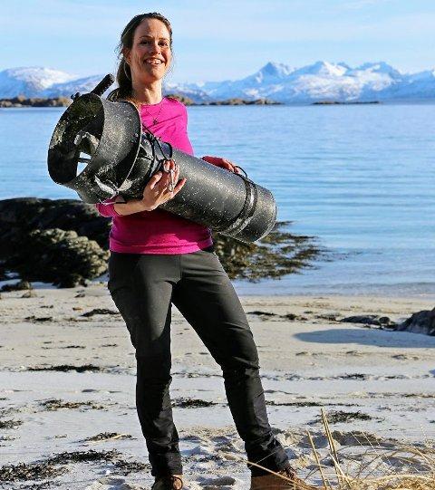 FUNN: Utenfor Tromsø fant Tine Marie Valbjørn Hagelin denne på ei strand. Nå er også eieren funnet - i Danmark!