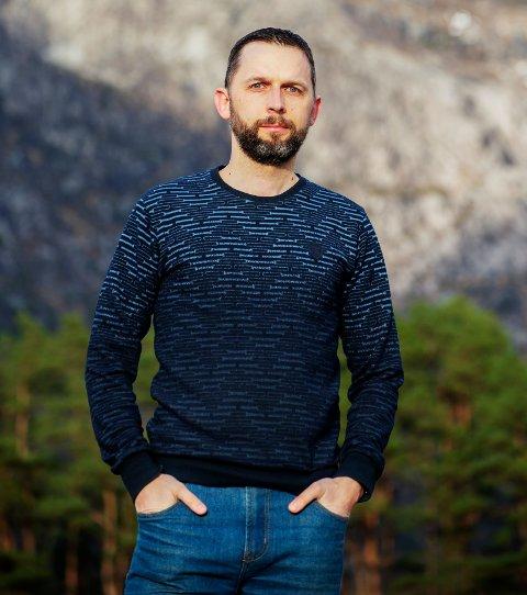 Remis, som han kalles i Norge, elsker å være kreativ og utfordre seg selv.
