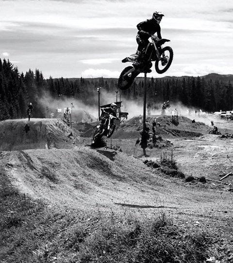 6. MOTORCROSS: Bøverlund.