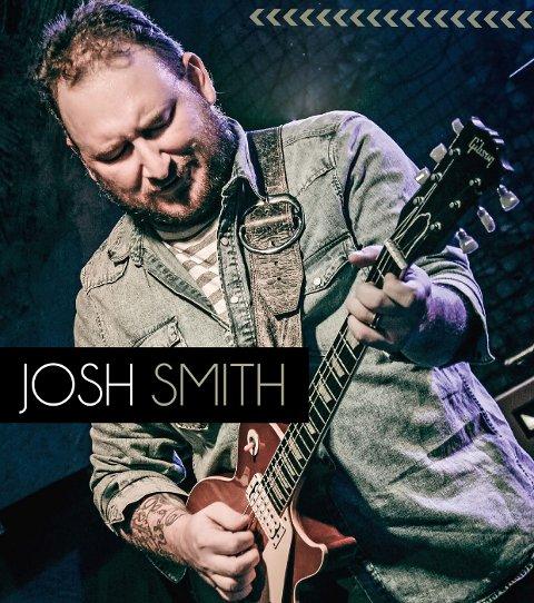 LØRDAG: Josh Smith spiller i Musikk-kjeller'n lørdag.