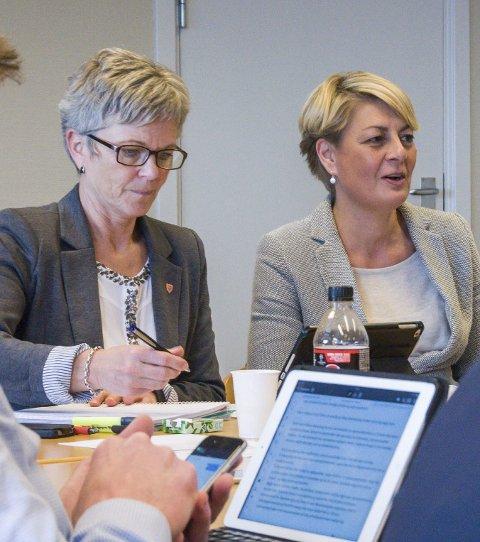 Rådmenn: Mette Hvål (t.v.) og Inger Anne Speilberg. Arkivfoto: Lasse Nordheim