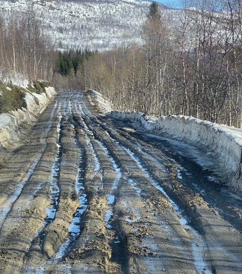 Veien opp til Jordbrua er ufremkommelig.