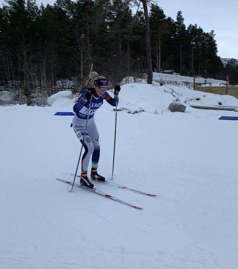 3. PLASS: Marit Ishol Skogan, Steinkjer Skiklubb og Team Maxim, reiste seg etter fall på sprinten lørdag og kom på 3. plass på søndagens kortnormal i norgescupen i skiskyting i Geilo.