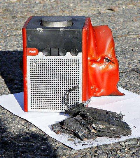 BRANNBOMBE: Denne radioen er svært brannfarlig. Foto: Pressebilde/ANB