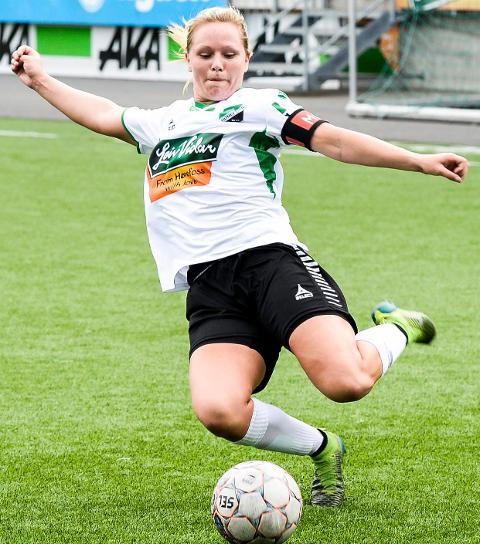 SEKS MÅL: Silje Nyhagen storspilte mot Sarpsborg. (Arkivfoto)