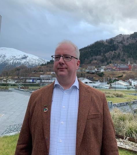 HELD FRAM: Jan Einan held fram som leiar i NITO Sogn og Fjordane . Det eri eitt år sidan han tok over leiarvervet  etter fleire år som styremedlem.