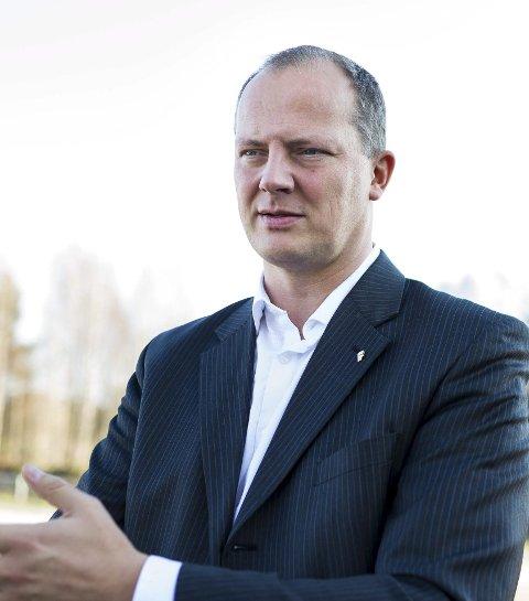 Samferdselsminister Ketil Solvik-Olsen (Frp) mener det er nyttige innspill i høringsuttalelsen fra Bane Nor.