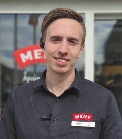 SYV ÅR I MENY: Henrik Weberg har kommet langt på kort tid i Meny Sande, og fikk jobben etter syv år med solid innsats.