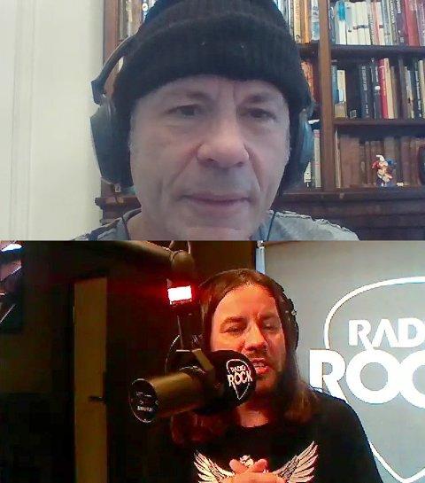 GAMMAL MAIDEN: Her er en nokså ekstatisk «Gammal Maiden»-skaper, Torkil Torsvik, i gang med å Zoom-intervjue selveste Bruce Dickinson – som fikk samme standard spørsmål som alle andre gjester, om første gang han hørte Iron Maiden. Nå kan programmet vinne gjeve priser.