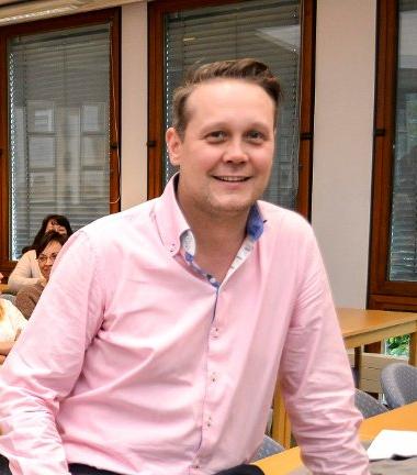 Ifølge Aps partileder Øyvind Hvidsten vil kommunen nå får mer handlingsrom, fordi helse- og sosialsektoren er blitt kjørt knallhardt.