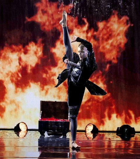 PÅ JOBB: Slik har vi sett Joakim danse på TV2s Norske talenter. FOTO: Edouard Truedsson, TV2