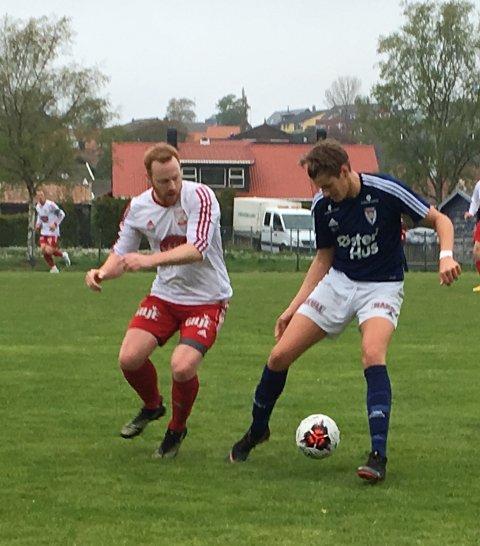 Sturla Gilje (t.v.) måtte dessverre gi tapt i denne duellen mot en Austrått 2-spiller.