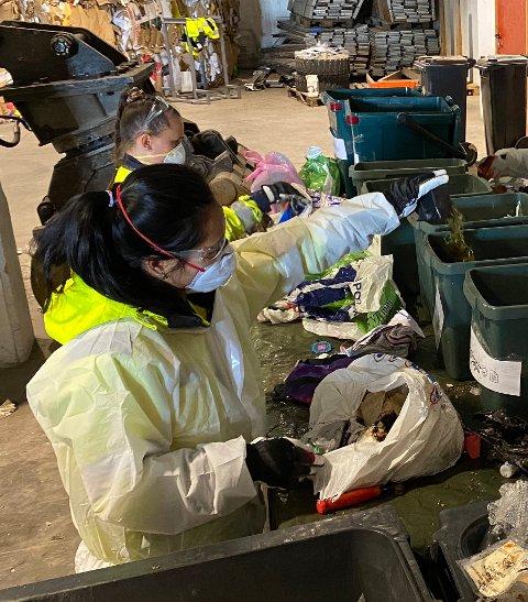 IRIS har analysert deler av avfallet de har fått inn. Resultatet viser at man i Salten kanskje ikke er så god som man skulle tro til å kildesortere.