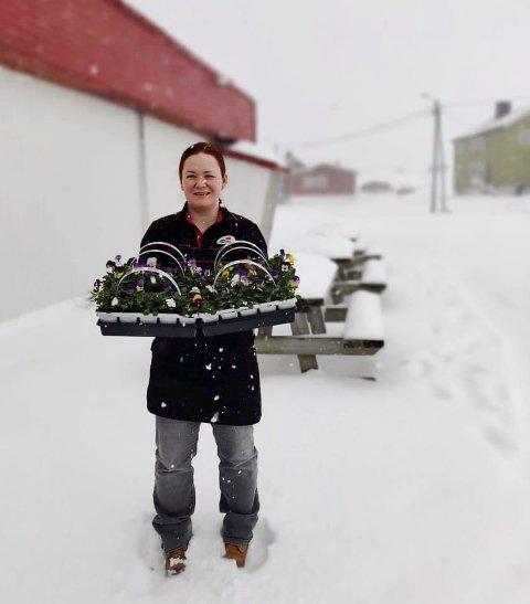 STEMOR: Sist torsdag kom stemora til Gamvik. - Vi vet hvor vi bor, sier Elin Johansen hos Gamvik Handel.