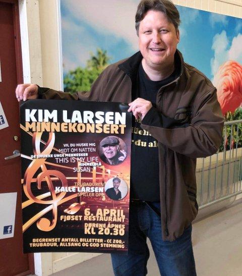 HYLLEST: Roger Ødegård er og hans kumpaner gleder seg til å hylle Kim Larsen i Tyst Bar lørdag. FOTO: PRIVAT