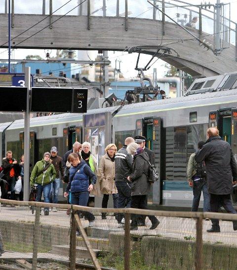 Svikter: De togreisende blir dårlig behandlet skriver Arild Hermstad.