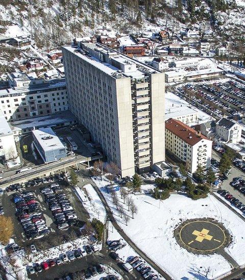 Koronautbruddet ved Drammen sykehus øker i omfang.