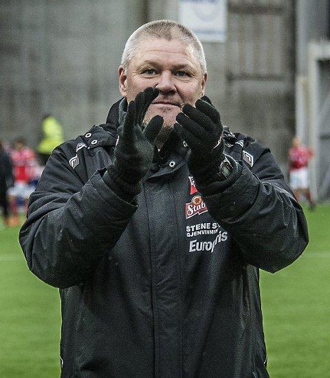 Gir seg: Mons Ivar Mjelde takker fansen for tiden i FFK. (FOTO: GEIR A. CARLSSON)