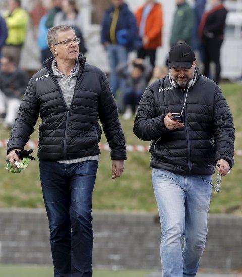 MÅ VENTE: Styreleder i FK Haugesund AS Ole Henrik Nesheim må vente på å få vite om Haugesund kommune ønsker å kjøpe aksjene i stadionselskapet. Her er Nesheim sammen med mediesjef i FKH Runar Nordvik.
