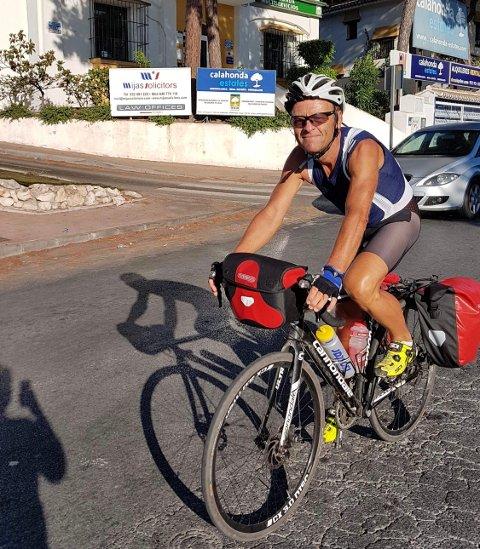 PÅ LANGTUR: Oddmund Brekke fra Raufoss har syklet  cirka 4000 kilometer hele veien fra Raufoss og til Gibraltar.