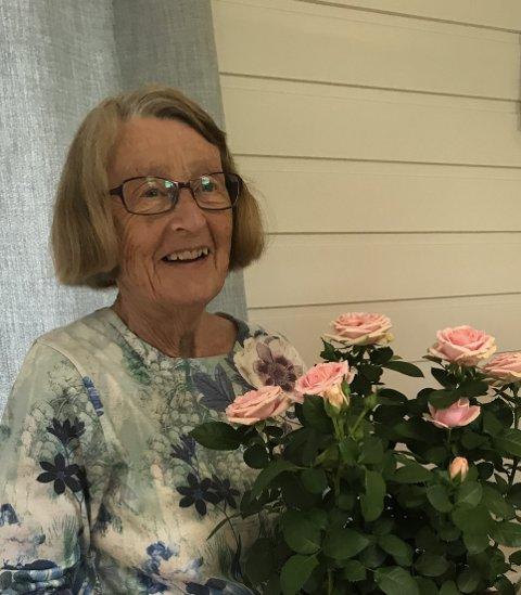 GIR SEG: Lise Sterud gir seg nå som leder av seniordansen i Hakadal (Foto: privat).