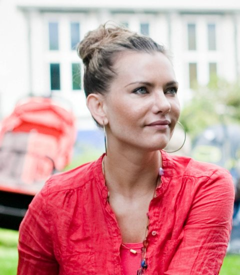 68957773 Cecilie Schou Andreassen ledet forskningsprosjektet om shoppingt ved  Universitetet i Bergen