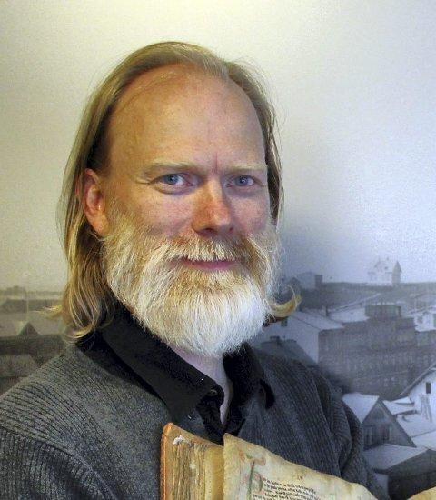 Å barbere seg er en symbolsk kastrering, mener skjeggekspert Anders Kvåle Rue.