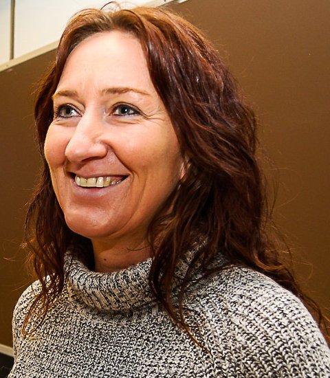 FORNØYD: Realfagslærer på Greveskogen vgs, Lynn Wagner har veiledet elevene. Hun er kjempefornøyd med deres innsats.