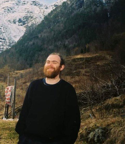 Sindre Johannes Taxt Måge gler seg over våren og utviklinga av livet.