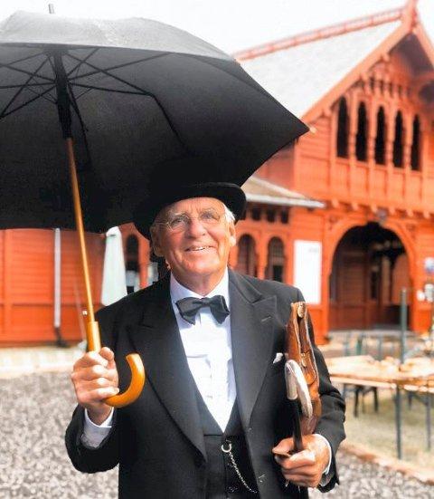 POSITIV: Svein Ingebretsen er kjent som dr. Thaulow og leder av Stiftelsen Kurbadet og Kurbadets Venner. Han er også fungerende leder av Fortidsminneforeningen lokalt. Ingebretsen liker tanken om kunnskapssenter, bibliotek og kulturskole på Tivolitomta, som er nærmeste nabo.