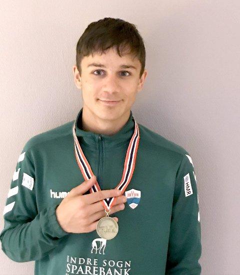 BRONSE: Knut Werge-Olsen (16) sikra seg bronse på 60 meter under Ungdomsmeisterskapen i friidrett i Ulsteinvik på laurdag. (Foto: Arne Werge-Olsen)