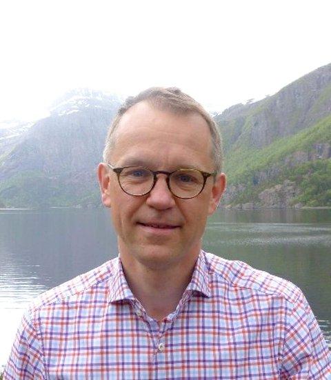 EIT STEG NÆRARE: Gabriel Ossenkamp, gründeren i FjordAlg som skal etablera seg i Årdal, har fått åtte millionar kroner i støtte frå Innovasjon Norge. - Heilt avgjerande for prosjektet, seier ossenkamp.