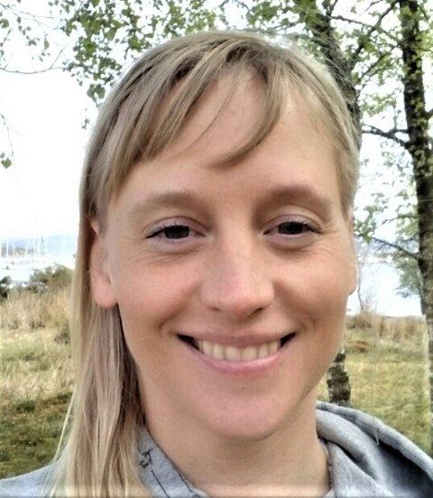 SAVNET: Store letemannskaper leter i Tjeldøya-området etter Monika Therese Kristoffersen, som har vært savnet siden natt til mandag. Etterlysningen gjøres i samråd med nærmeste pårørende, opplyser Troms politidistrikt.