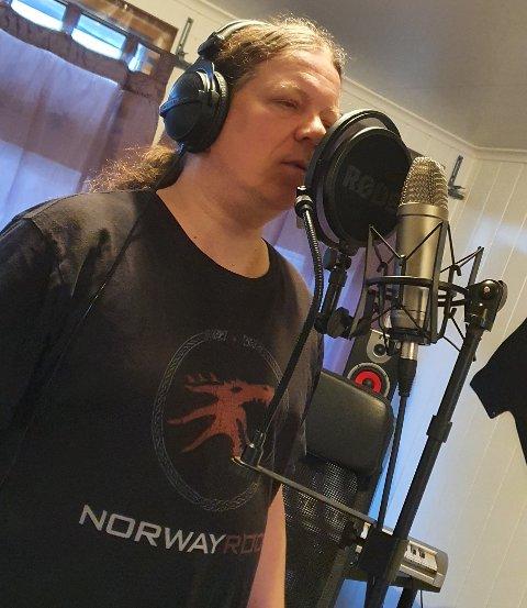 BIDRAG: Svein Åge Lervik håper sitt bidrag kan være en ekstra påminnelse om det viktige budskapet.