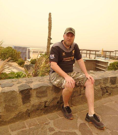 UTSATT HJEMREISE: Odd-Amund Lundberg er på Tenerife og må vente på et utsatt fly for å komme seg hjem.