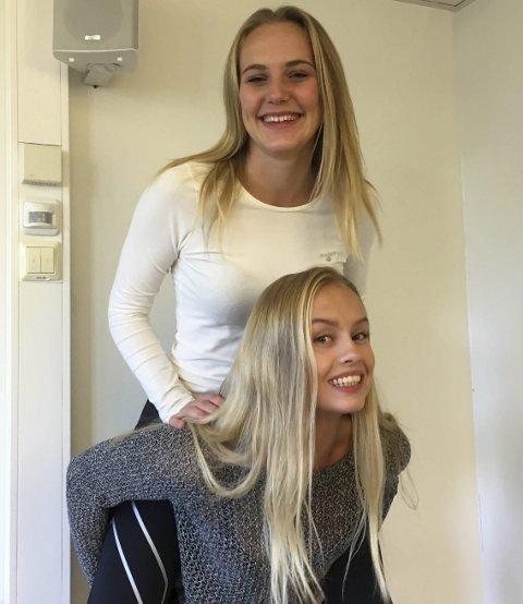 Skrevet av Kamilla Tandberg og Maria Grønland Andresen (sitter på ryggen), 2STB.
