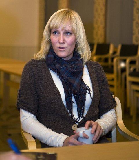 Hjelper: Astrid Ø. Røthing i Rogaland Røde Kors. Arkivfoto: Alfred Aase