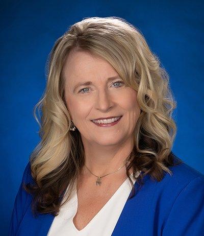 VIL GJENVELGES SOM SENATOR: Janne Myrdal fra Skien er senator i Nord-Dakota. Hun jobber hardt for å bli gjenvalgt, akkurat som president Trump som tilhører samme parti.