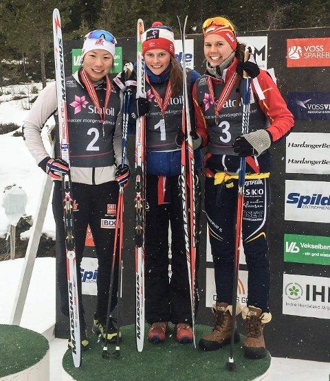Mathilde Myhrvold tok NM-gull på sprinten foran Maiken Min Midtskogen og Marthe Klausen.