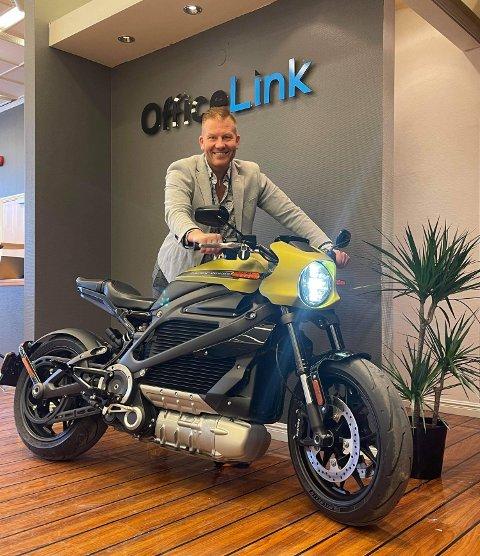 Espen Limstrand er stolt eier av Nord-Norges første og eneste elektriske Harley-Davidson.