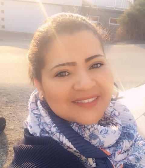 VIKTIG: Nivin Mohammed begynte på bachelor som yrkesfaglærer da hun var 33 år. Hun mener det er viktig med dokumentert kunnskap i dagens samfunn.