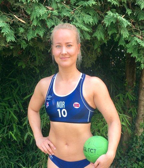 STORTRIVES: Selv om det er 35 garder i skyggen så stortrives FBK-spilleren Ida Wernersen seg i Kroatia.