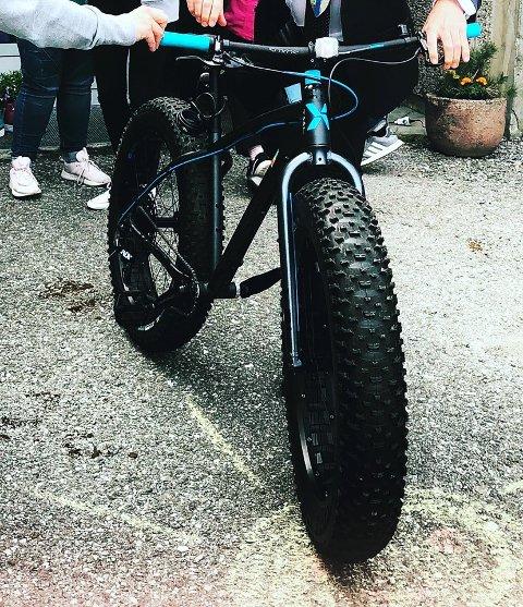 FUNNEN: BUA Kvinnherad sitt innlegg om den stolne sykkelen vart delt over 300 gonger på Facebook, før «fat biken» vart funnen tysdag. (Foto: privat).